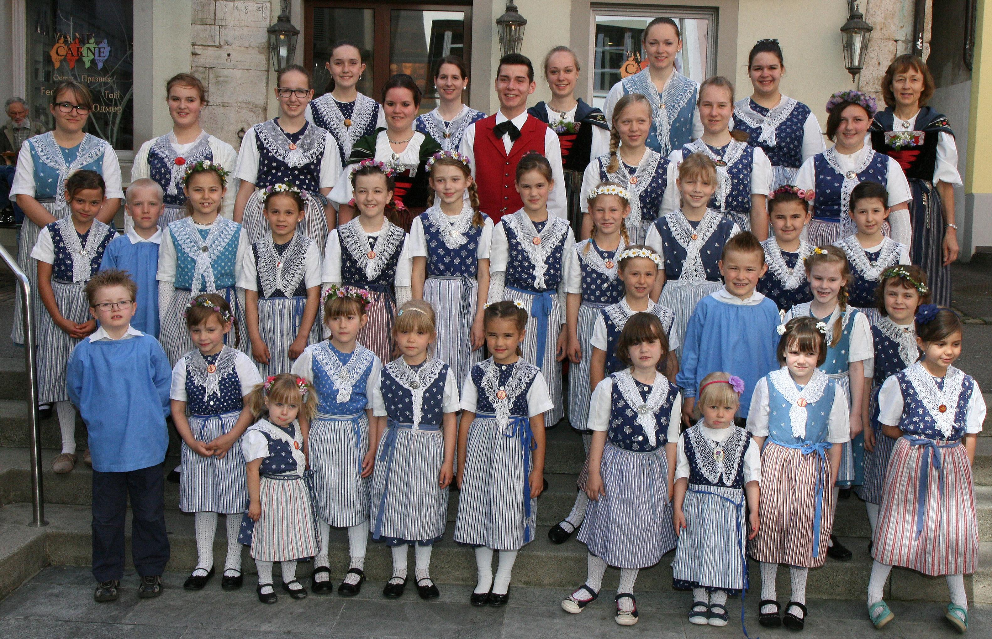 Kinder- & Jugentanzgruppen Maitanzen 2015
